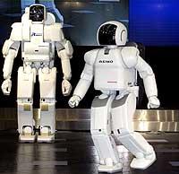 Asimo er den roboten som klarer å bevege seg mest mulig likt et menneske (Foto: AP/Shizuo Kambayashi)