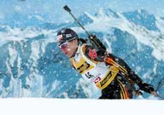 Snøen lavet ned da Andrea Henkel tok VM-gull tirsdag. Onsdag er det meldt enda mer snø. (Foto: AP/Scanpix)