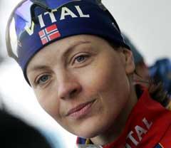 Liv Grete Poirée sa i Hochfilzen onsdag at hun ikke skal gå flere VM-distanser, men hun reiser ikke hjem. (Foto: Heiko Junge / SCANPIX)