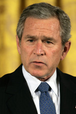 USAs president George W. Bush vil ikke ha gassrørledning mellom Iran og India. (Foto: B. Smialowski, AFP)