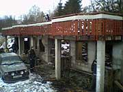 Kripos i arbeid på åstaden. MMS-foto: Janne-Marit Myklebust