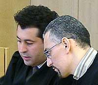 Fra høyre: Brahim Bouteraa sammen med sin forsvarer Abdelilah Saeme