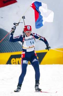 En jublende Olga Zaitseva gikk siste etappe for Russland. (Foto: AFP/Scanpix)AC