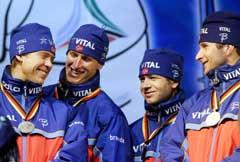Halvard Hanevold, Lars Berger, Ole Einar Bjørndalen og Egil Gjelland sikret Norge sølv i 2004. (Foto: Heiko Junge / SCANPIX)