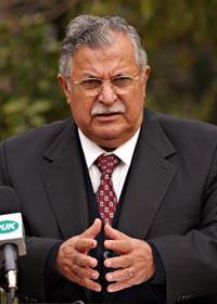Kurdiske Jalal Talibani leder forhandlingene med sjiaene og vil trolig bli Iraks nye president. (Foto: S.Kralj, AP)