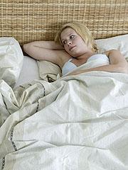 Når kona våkner flere ganger per natt fordi mannen må opp og tisse er det hun som tramper i gulvet og krever at han får du gjort noe med det. Illustrasjonsfoto: Håkon Mosvold Larsen / SCANPIX