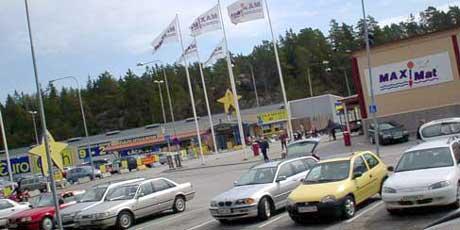 - Vi skulle være rimelig dumme om vi holdt på slik, sier butikksjefen på Svinesunds Eurocash (Foto: Rainer Prang, NRK)