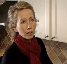 Anne Stine Sletmoen har levd uten inntekt i 8 md. Nå anmelder hun saksbehandleren.