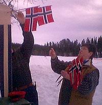 Flagget til topps under Maritsprinten. (Foto: NRK)