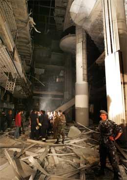 Minst to mennesker ble drept i eksplosjonen. (Foto: AP/Scanpix)