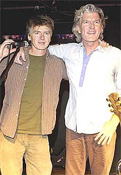 Neil (t.v.) og Tim Finn kommer ikke til Oslo likevel. Foto: Scanpix.