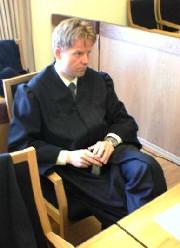 Ikke nok at pårørende reagerer for å fengsle, sier Pål Lønseth, aktor i metanol-sakene. Foto: MMS - Johan Wilskow NRK