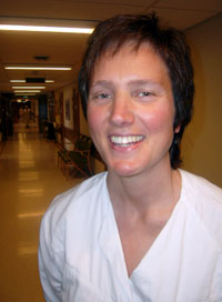 Avdelingsjordmor Marit Mork er positiv til hjemmefødsel.