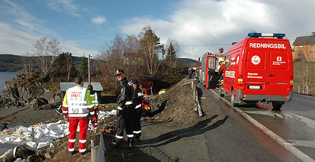 Sjåføren av vogntoget som kjørte av veien trisdag kveld døde i ulykka. Foto: Sverre Krüger/NRK