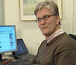 Styreleder Morten Kvam i Norsk Familieøkonomi deler ikke myndighetenes synspunkter. foto: NRK