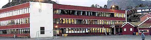 Svolvær barne- og ungdomsskole. Foto: Skolen