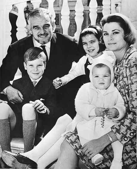 Grimaldi-familien på den tida då alt var berre fryd og gaman. (Foto: AP/Scanpix)