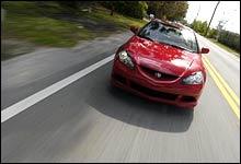 Grisebillig: Ferdig importert med frakt, avgift og registrering kan du bli eier Acura RSX fra 200 000 kroner, mener Jan Erik (Foto: Theodor Kristensen)