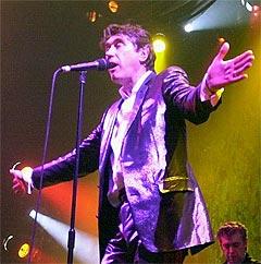 Bryan Ferry og hans Roxy Music kommer til Frognerbadet 19. juni. Foto: Steffen Schmidt, AP Photo.