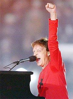 Paul McCartney tjente gode penger på å reise på en ny USA-turne, og kunne sikkert hatt råd til å kjøpe tilbake Beatles-katalogen. Men han gjør det ikke. Foto: Shaun Best, Reuters.