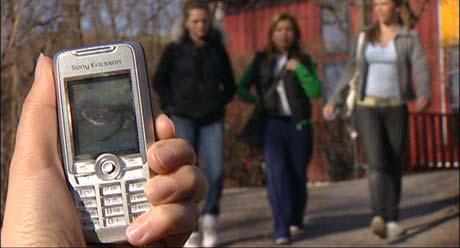 De aller fleste ungdommer har nå mobiltelefon med kamera.