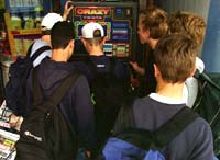 3,2 prosent av ungdom i Norge har spilleproblemer. Det vil si til sammen 11.000 ungdommer. Foto: Scanpix