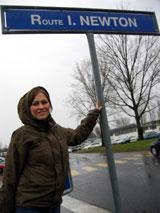 På CERN har Isaac Newton sin egen gate. Foto: NRK