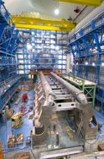 Detektorene ligger 100 meter under bakken og er kjempestore. Foto: CERN