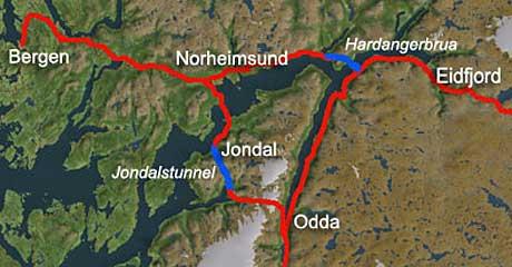 Ikke alle hardinger ønsker Hardangerbrua velkommen, mener Terje Kollbotn i Odda RV.