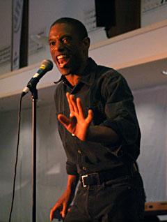 Earl Thomas imponerte med stemmeprakt og elegant sceneshow. Foto: Per Ole Hagen