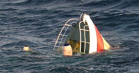To menn frå Åheim blei funne omkomne etter båthavariet i Sørøysundet rett sør for Hammerfest natt til søndag. Dette var det einaste som syntes då Redningsskøyta