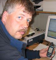Korpsleder i Geilo Røde Kors, Odd Gjestemoen, savner de gamle kartene. Foto: NRK.