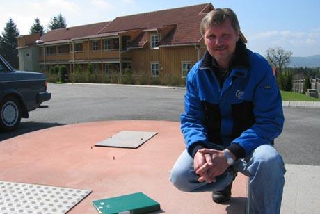 Borettslagsleder Odd Kåre Statskleiv frykter for at bensinstasjonen skal komme tilbake. Foto: Gry Eirin Skjelbred