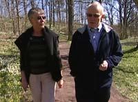 Ekteparet Lindberg forteller at den største beslutningen var å selge huset de bodde i.