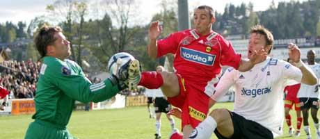 Erik Holtan (t.v.) ønsker å spille A-lagsfotball, og vil bort fra Odd. Foto: Håkon Mosvold Larsen / SCANPIX
