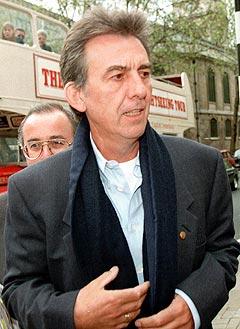 Det avdøde tidligere Beatles-medlemmet George Harrison skrev flere sanger som Michael Jackson eier rettighetene til. Foto: Dave Thomson. AP Photo.