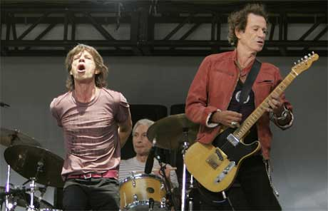 De levende legendene under dagens mini-konsert. (Foto: Scanpix / Reuters)