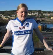 Maria Øvrum og de andre jentene i FK Larvik sikter igjen mot eliteserien. Foto; Rune Jensen, NRK.