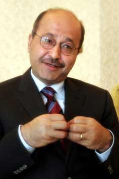 VANSKELIGE LEVEFORHOLD: Irakisk minister Barham Saleh (Foto: Scampix /AP /Khalid Mohammed)