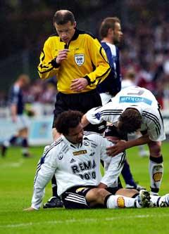 Daniel Braaten måtte gå ut med skadet kne i første omgang. (Foto: Geir Otto Johansen / SCANPIX)