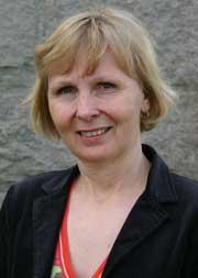 Divisjonsdirektør Irene Dahl Andersen mener riving av båser innen helsesektoren har fungert godt, og at sykehuset kan lære av det på sikt.