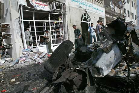 Terroren fortsetter i Irak. I en selvmordsaksjon mot en sjiamuslimsk moské ble to barn drept. (Foto: Reuters/Scanpix)