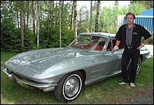Jon Grasto oppfordrer folk til å la bilen stå noen år før de registerer den. (Foto: Privat)