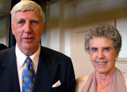 Gunnar Andersen sammen med kona Bjørg Andersen. Foto: Maria Nakken / NRK