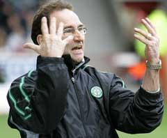 Martin O Neill var fortvilet da Celtic mister seriegullet i sluttminuttene i sesongens siste kamp. (Foto: AP/Scanpix)