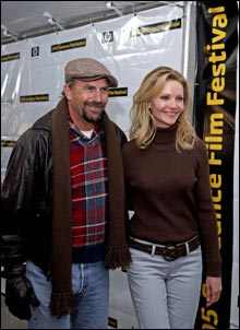 "Kevin Costner og Joan Allen spiller overbevisende i ""Det beste som kunne skje"" (Foto: Scanpix)"