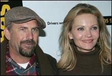 """Kevin Costner og Joan Allen har hovedrollene i """"Det beste som kunne skje"""" (Foto: Scanpix)"""