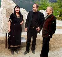 Dagleg leiar Anne Kjos-Wenjum Armas, arkitekt Rune Melvær og Torgeir Garmo frå Norsk Steinsenter.