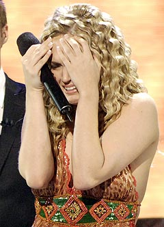 Carrie Underwood brast i gråt da det var klart at hun vant American Idol 2005. Foto: Chris Pizzello, Reuters / Scanpix.