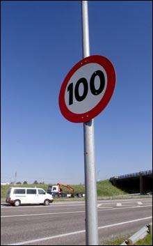 100 km/t: Fire nye vegstrektninger får nå 100 km/t. (Foto: Scanpix)